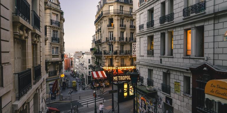 literary holidays - paris