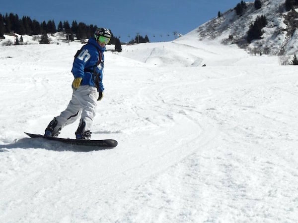 A day on the slopes - Alex shows off his boarding skills