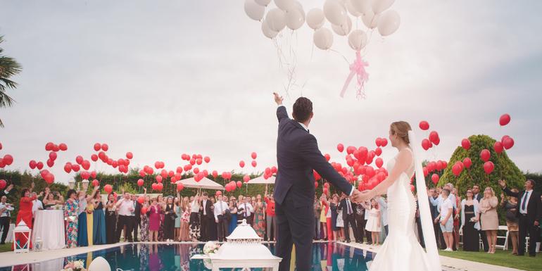 destination weddings - wedding guests