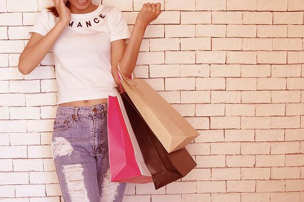 shopping fashion at duty free